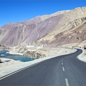 Ladakh, Himalayas. Road No NH 1D
